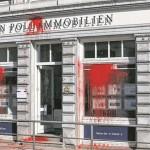 """Farbe, Buttersäure und Steine für Immobilienfirma """"von Poll"""""""