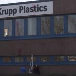 Farbe gegen Thyssen Krupp-Niederlassung