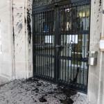 Angriffe auf Bullenwache und Jobcenter