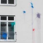 Farbbeutel gegen saniertes Haus geworfen