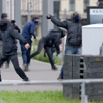 Emeute contre les nationalistes et les flics qui les protègent
