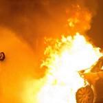 Auto von ThyssenKrupp abgefackelt