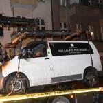 Transporter von Immobilienfirma angezündet