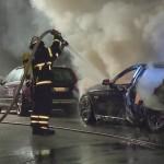 42 Autos beschmiert, 4 abgefackelt