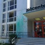 Farbe gegen Jobcenter