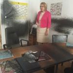 Steine und Bitumen gegen CDU-Büro