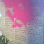 Farbe gegen Soldaten-Ehrenmahl