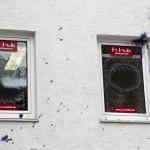 Steine und Farbe gegen Kanzlei von AfD-Politiker