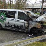 Autos von Gewerkschaft der Polizei (GdP) und Polizei abgefackelt