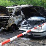 Zwei Fahrzeuge der Bundespolizei abgefackelt