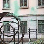 Farbe gegen Tschechisches Generalkonsulat