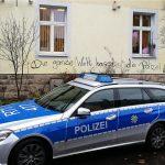 Farbe gegen Polizeirevier
