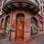 Farbe gegen Büros von SPD und CDU