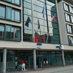 Farbe gegen französisches Konsulat