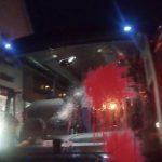 AfD-Bus bei Demoanfahrt angegriffen