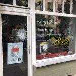 Steine gegen Büro von Tino Schopf (SPD)