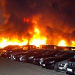 16 Autos bei Mercedes-Autohaus abgefackelt