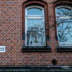 Farbe und Steine gegen Amtsgericht Hamburg-Harburg