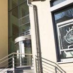 Glasbruch an Bürogebäude von Sopra Steria Group SA