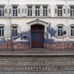 Farbe gegen Amtsgericht bei Sponti
