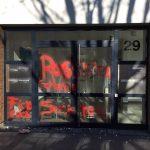 Farbe gegen True Fruits-Büro
