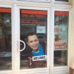 """Steine gegen Büro der Partei """"Die Linke"""""""
