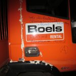 Boels-Fahrzeuge beschädigt