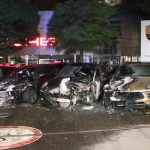 Vier Porsche-Cayenne abgefackelt