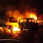Fünf Fahrzeuge der Stadt abgefackelt