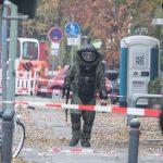 Farbe und Bombendrohung gegen Gericht