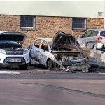 Brandanschlag auf Fahrzeuge und Funkmasten der Polizei