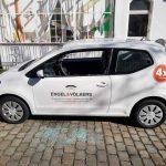 Auto von Immobilienunternehmen abgefackelt, Scheiben an Auto von Engel&Völkers zerstört