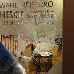 Glasbruch und Farbe gegen SPD-Büro