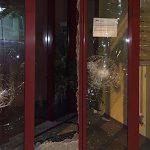 Farbe und Steine gegen AWO-Hauptsitz