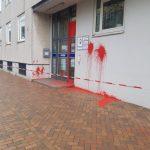 Farbanschlag auf Polizeiwache