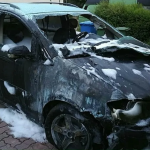 Brandanschlag auf Auto des Neonazis Klaus Armstroff