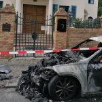 Botschaftsfahrzeug erleidet Totalschaden