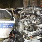 Drei Ordnungsamt-Fahrzeuge in Flammen
