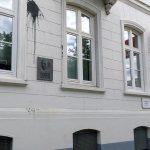 Farbgläser gegen SPD-Büro