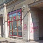 Steine gegen SPD-Büro