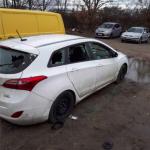 Auto von Nazis gleich dreimal kaputt
