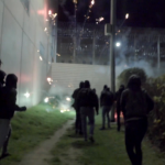 Feuerwerk und Graffiti an Knastmauern