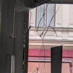 Scheiben kaputt an Grünen-Büro
