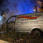 Firmenwagen von Investor in Flammen