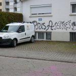 Farbe gegen Kapelle der Piusbruderschaft