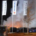 Diverse Autos von Nissan-Autohaus ausgebrannt