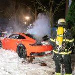 Porsche in Flammen