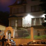 Farbe gegen italienisches Konsulat