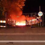 Feuer an Stromkabeln in Baugrube gelegt