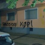 Farbe gegen Wohnhaus des Köpi-Eigentümers